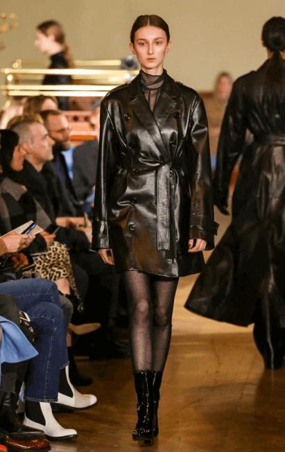 Klementyna Dmowska for Olivier Theyskens @ Paris FW