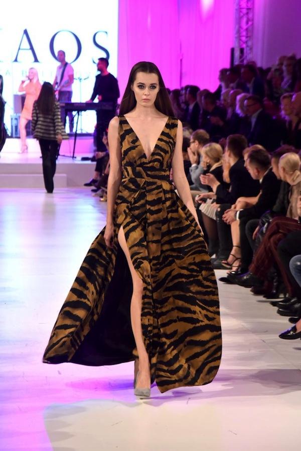 Foto: Mateusz Jagielski / East News  Warszawa 11.10.2017   Nagrody Fashion Magazine   N/z: modelka