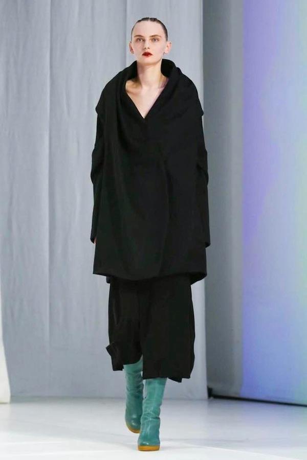Oliwia Lis for Chalayan fashion show FW 2018 London
